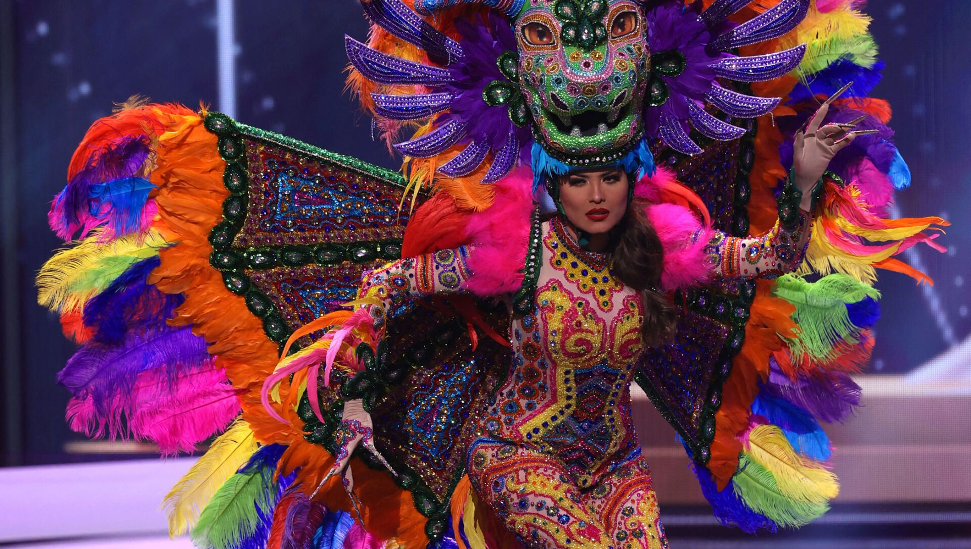 Hoa hậu Mexico Andrea Meza trong phần trình diễn trang phục dân tộc tại cuộc thi Hoa hậu Hoàn vũ lần thứ 69 - Sputnik Việt Nam, 1920, 17.05.2021