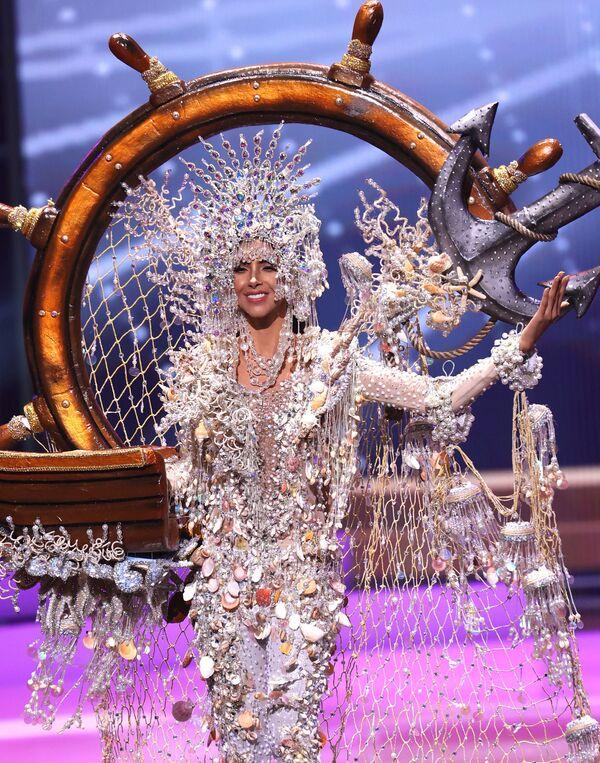 Hoa hậu Panama Carmen Jaramillo trong phần trình diễn trang phục dân tộc tại cuộc thi Hoa hậu Hoàn vũ lần thứ 69 - Sputnik Việt Nam