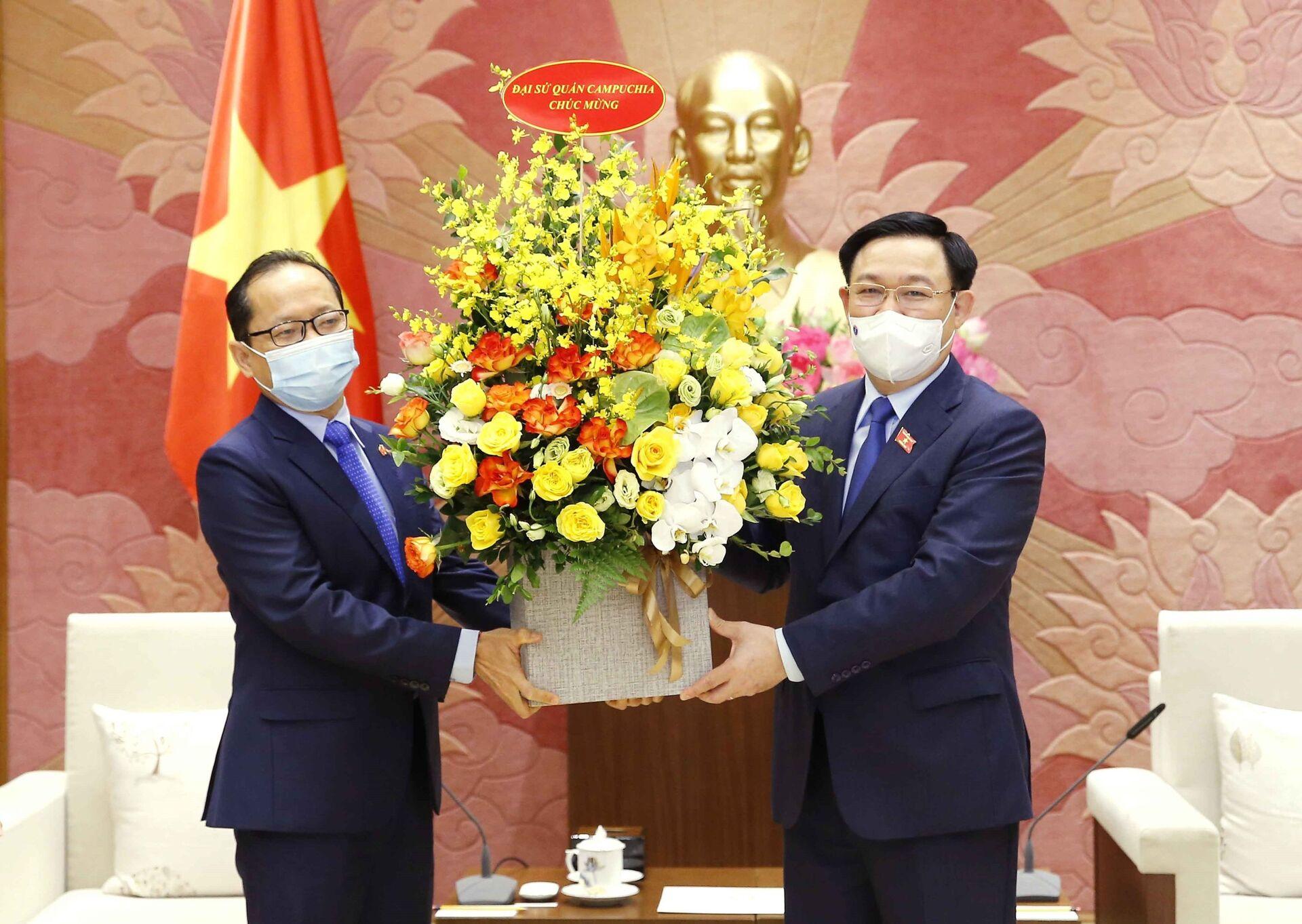 Anh em và đối tác: Trung Quốc, Nhật, Lào, Campuchia đều nói 'rất coi trọng Việt Nam' - Sputnik Việt Nam, 1920, 14.05.2021
