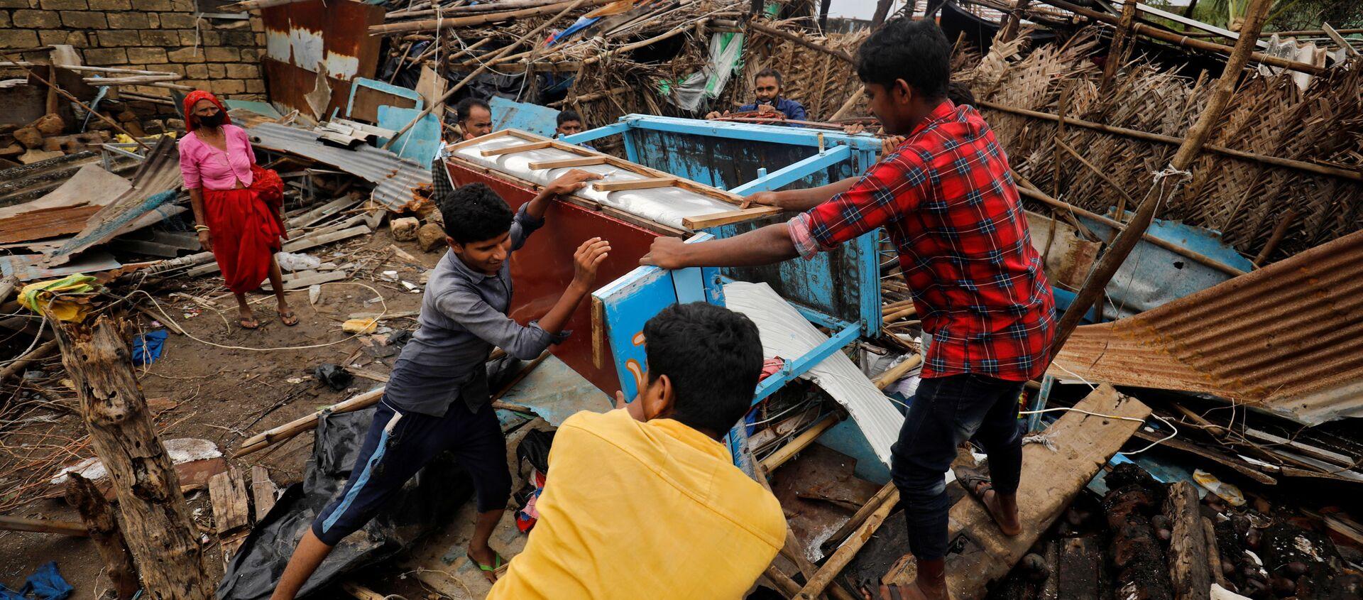 Hậu quả của cơn bão Tauktae ở Ấn Độ. - Sputnik Việt Nam, 1920, 19.05.2021