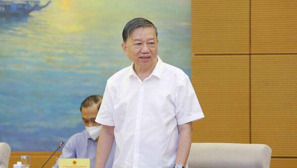 Đại tướng Tô Lâm, Bộ trưởng Bộ Công an, Ủy viên Hội đồng Bầu cử quốc gia phát biểu - Sputnik Việt Nam