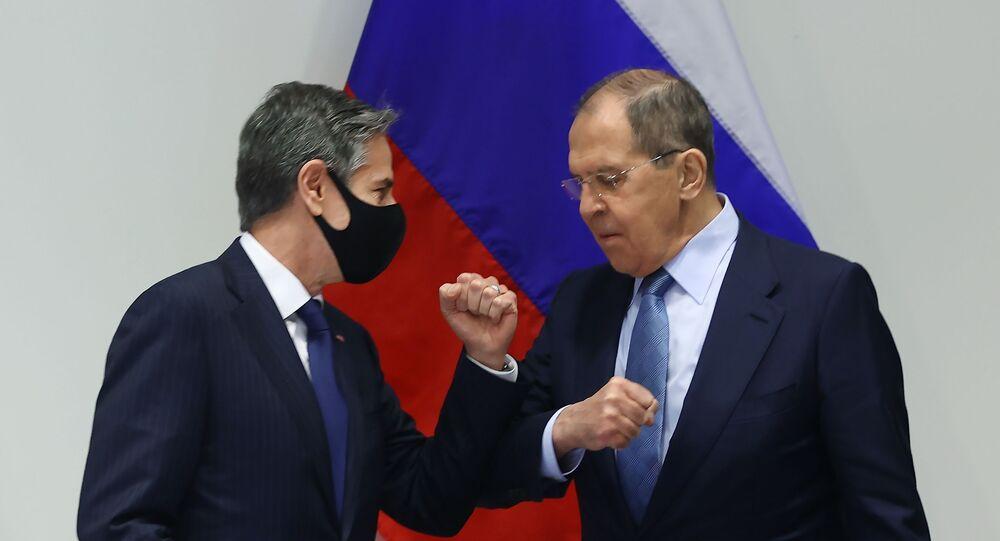 Chuyến thăm của Bộ trưởng Ngoại giao Nga S. Lavrov tới Iceland