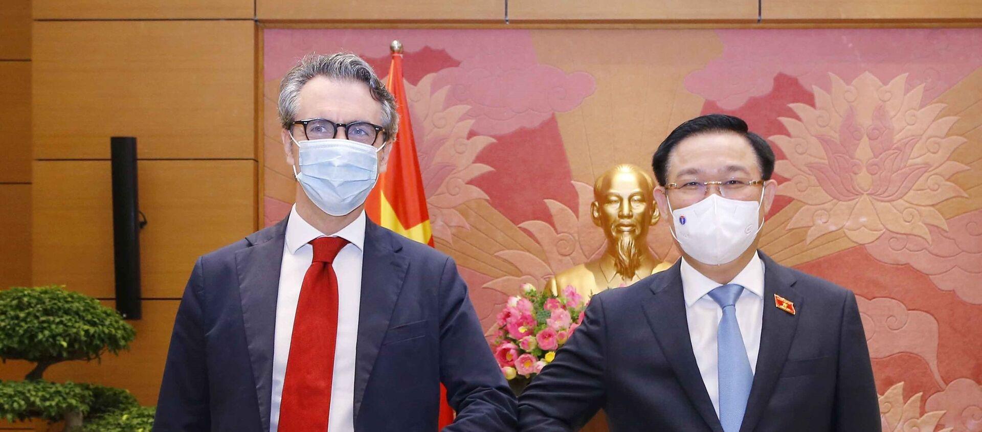 Chủ tịch Quốc hội Vương Đình Huệ tiếp Đại sứ EU tại Việt Nam. - Sputnik Việt Nam, 1920, 21.05.2021