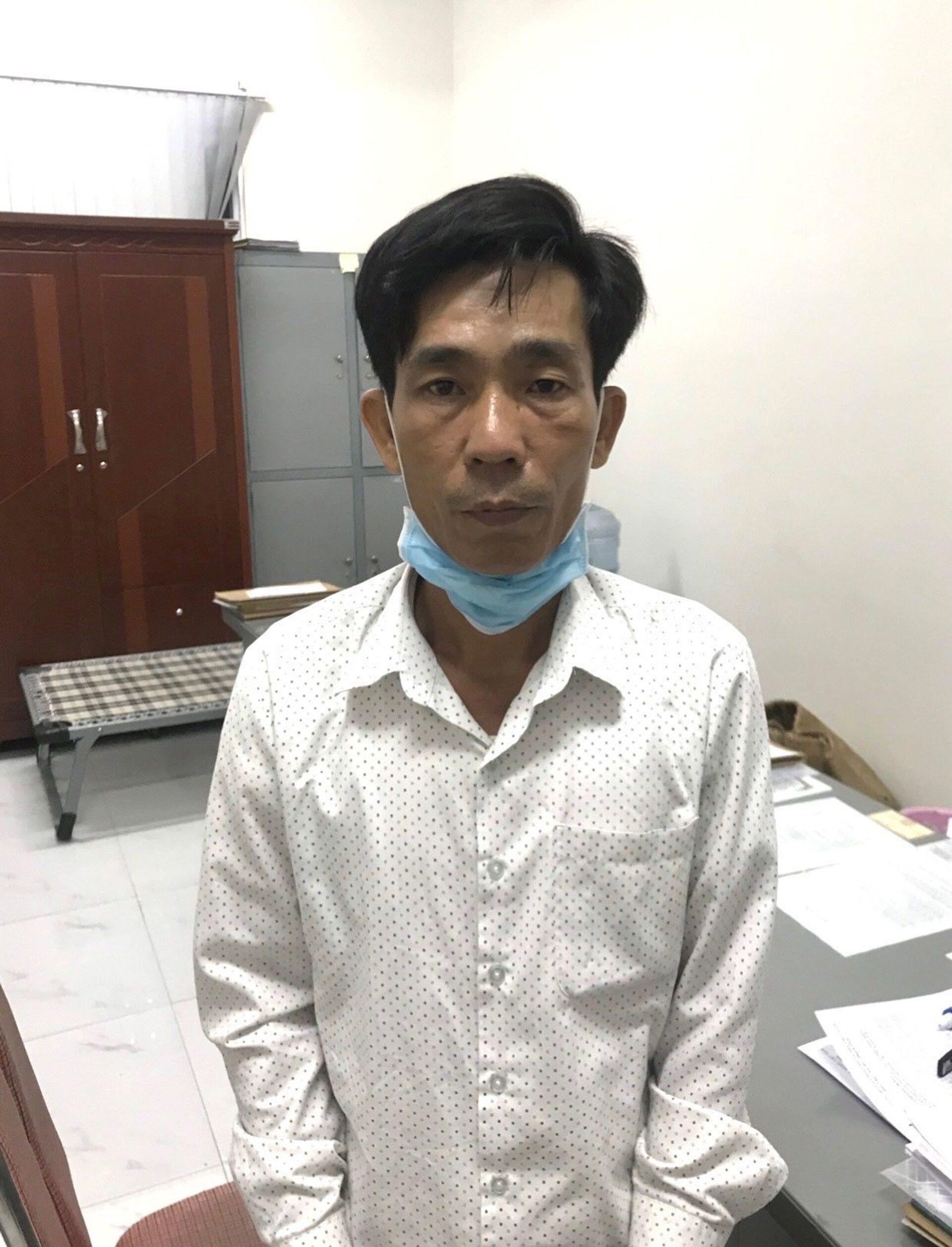 Bắt giữ đối tượng sử dụng Thẻ công vụ đặc biệt giả để gặp người Trung Quốc - Sputnik Việt Nam, 1920, 24.05.2021