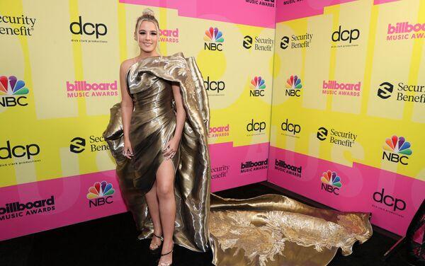 Cade Foehner tạo dáng ở hậu trường Lễ trao giải Billboard Music Awards 2021 ở California. - Sputnik Việt Nam