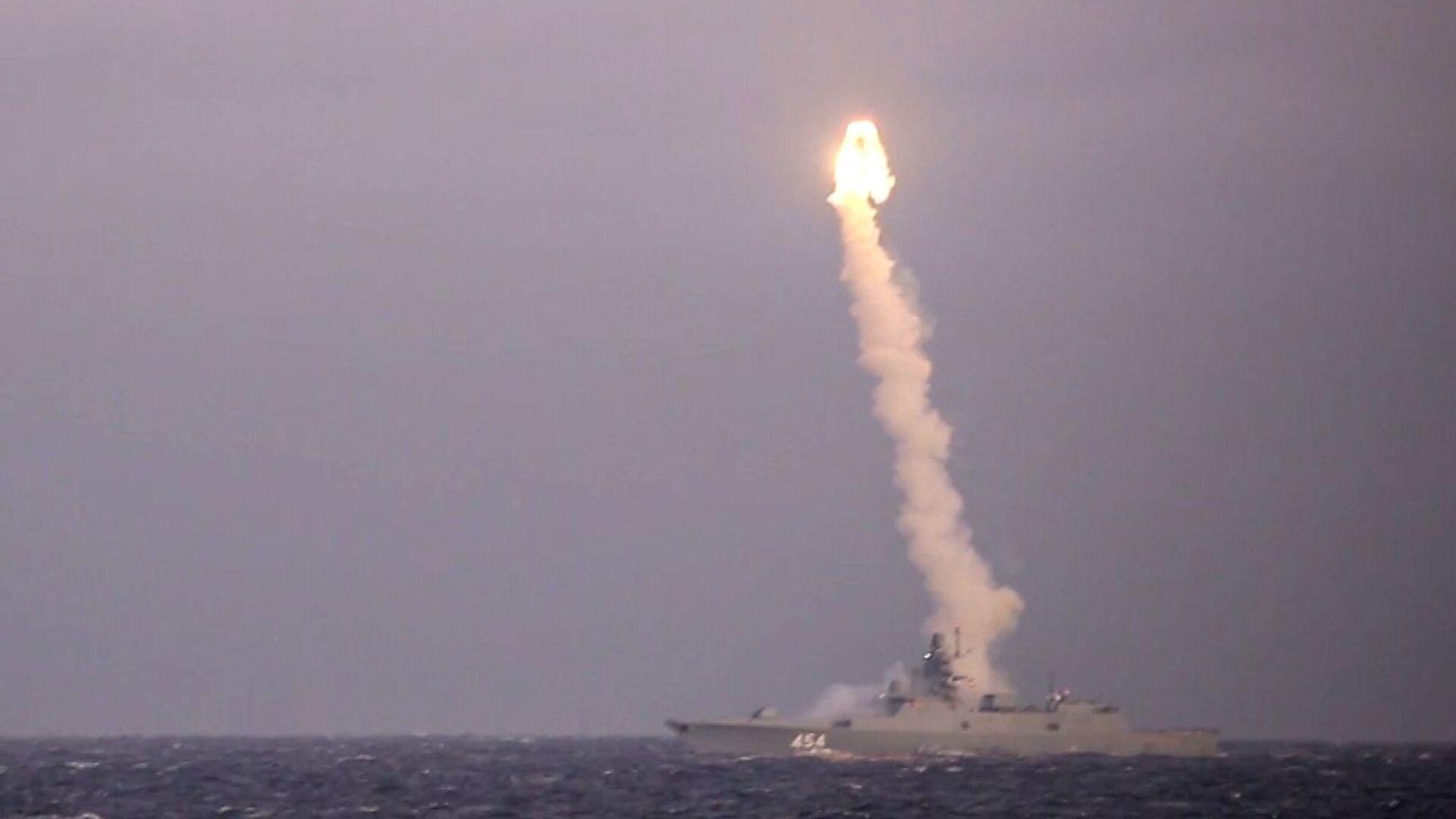 Khu trục hạm «Đô đốc Gorshkov» thực hiện vụ phóng thử tên lửa siêu thanh «Zircon» - Sputnik Việt Nam, 1920, 25.09.2021