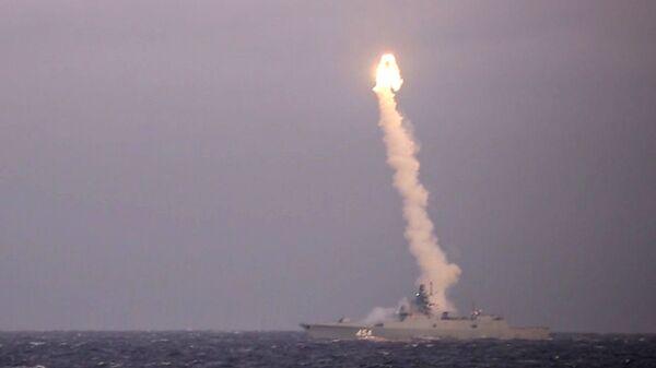 Khu trục hạm «Đô đốc Gorshkov» thực hiện vụ phóng thử tên lửa siêu thanh «Zircon» - Sputnik Việt Nam