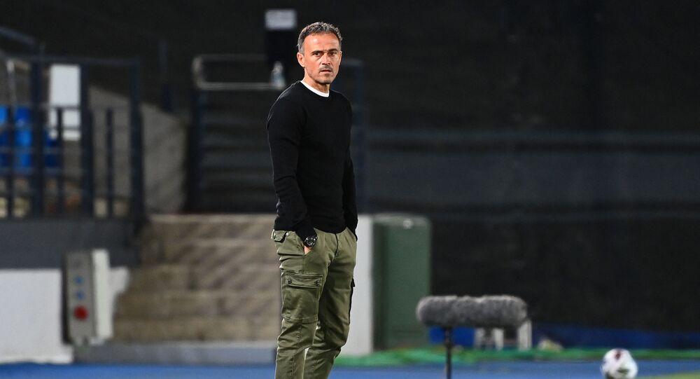 Huấn luyện viên trưởng đội tuyển Tây Ban Nha Luis Enrique.