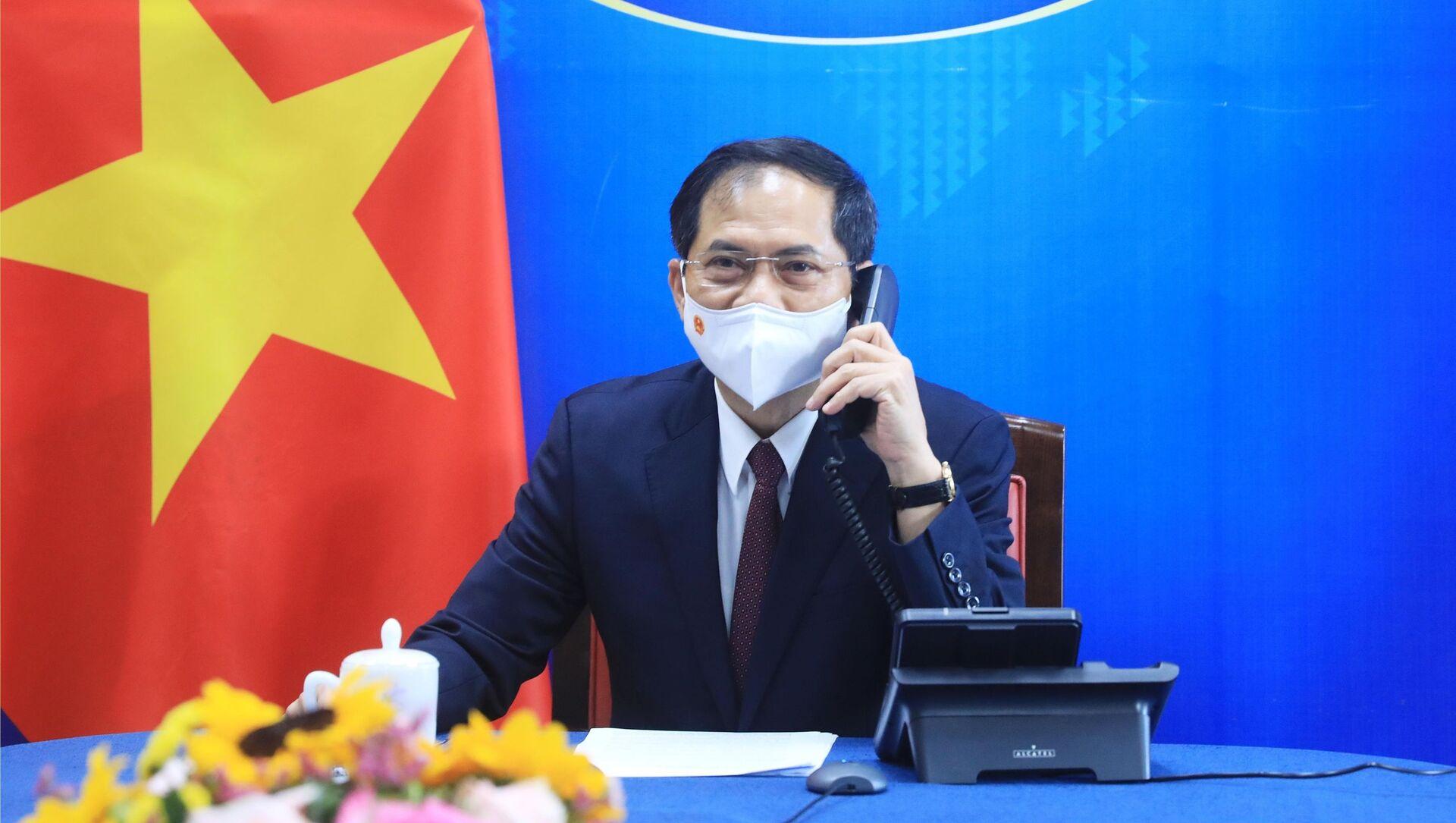 Bộ trưởng Ngoại giao Bùi Thanh Sơn - Sputnik Việt Nam, 1920, 28.05.2021