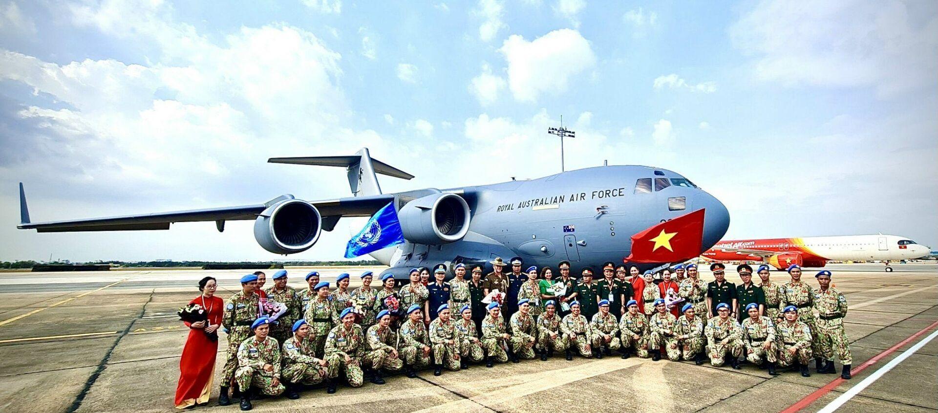 Ngày 24-3 vừa qua, đợt 1 của BVDC 2.3 đã xuất quân lên đường sang Nam Sudan bằng máy bay vận tải C-17 của Không quân Hoàng gia Australia. - Sputnik Việt Nam, 1920, 10.06.2021