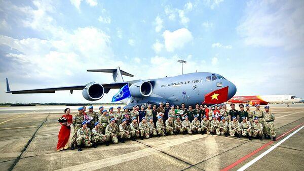 Ngày 24-3 vừa qua, đợt 1 của BVDC 2.3 đã xuất quân lên đường sang Nam Sudan bằng máy bay vận tải C-17 của Không quân Hoàng gia Australia. - Sputnik Việt Nam