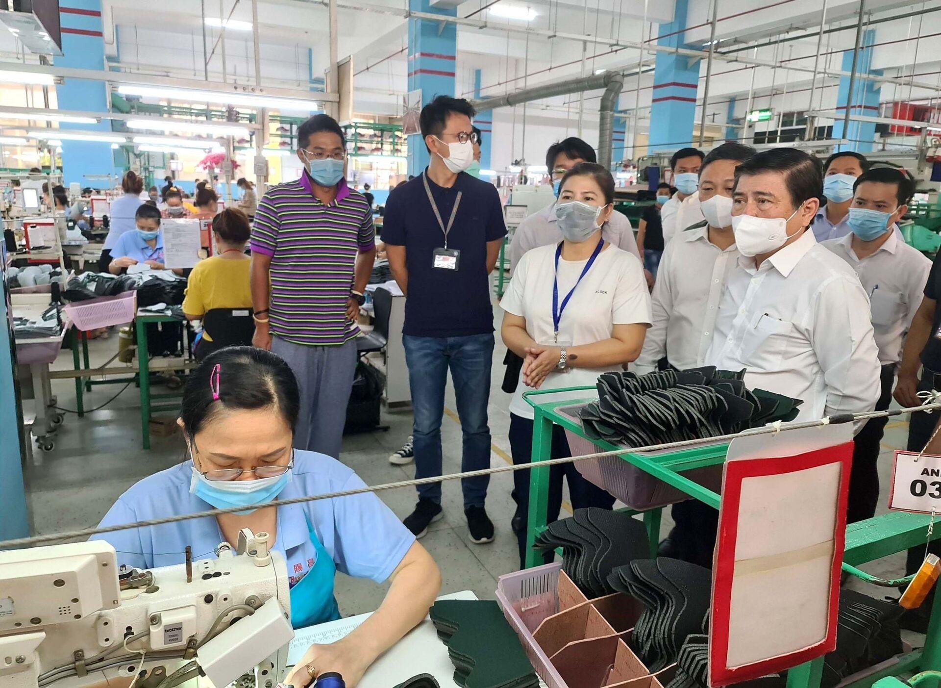 TP.HCM chuẩn bị kịch bản ngăn chặn dịch Covid-19 lây lan vào khu công nghiệp - Sputnik Việt Nam, 1920, 29.05.2021