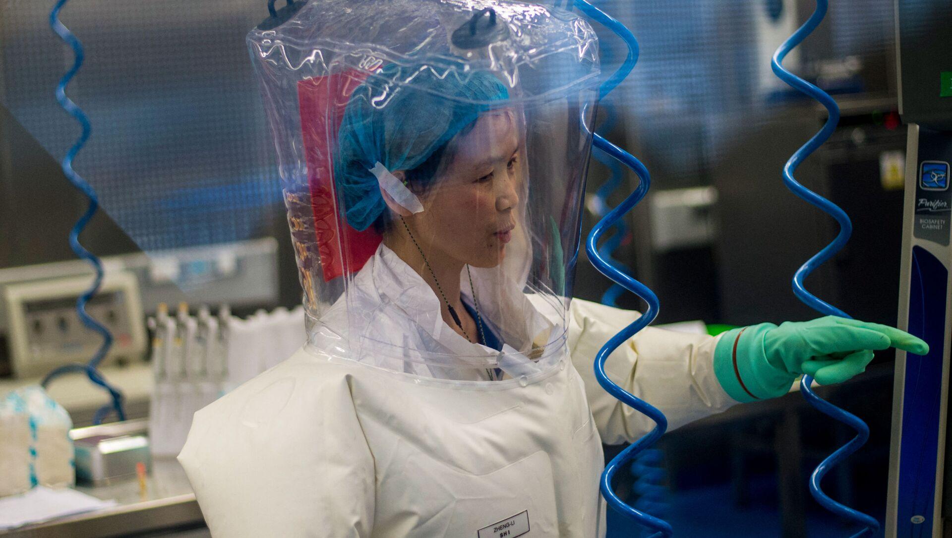 Nhà virus học Trung Quốc Shi Zhengli tại phòng thí nghiệm P4 ở Vũ Hán - Sputnik Việt Nam, 1920, 30.06.2021