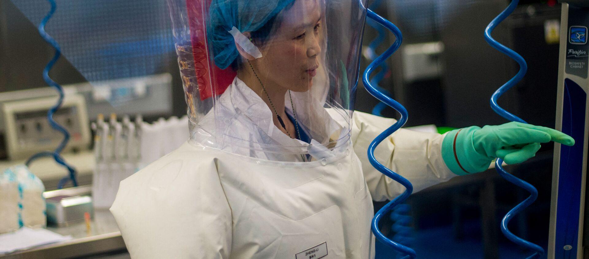 Nhà virus học Trung Quốc Shi Zhengli tại phòng thí nghiệm P4 ở Vũ Hán - Sputnik Việt Nam, 1920, 08.09.2021