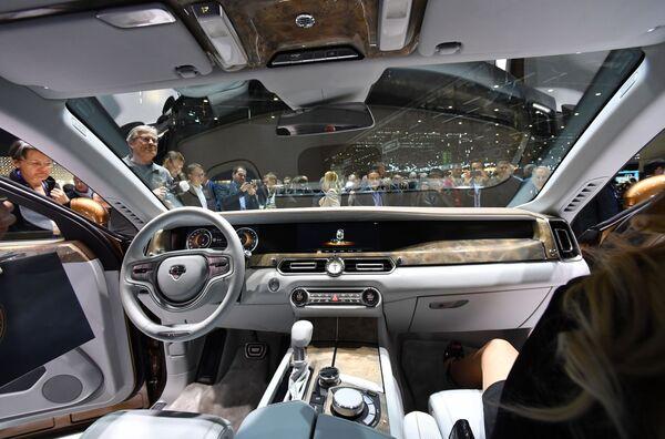 Nội thất xe Aurus tại Geneva Motor Show - Sputnik Việt Nam