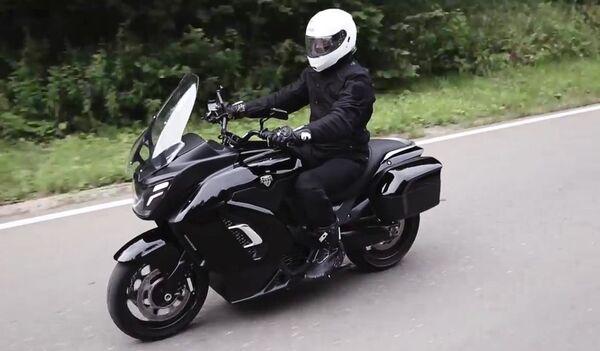 Nguyên mẫu xe mô tô điện Aurus đầu tiên  - Sputnik Việt Nam