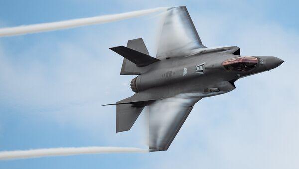 Máy bay tiêm kích F-35 của Mỹ. - Sputnik Việt Nam