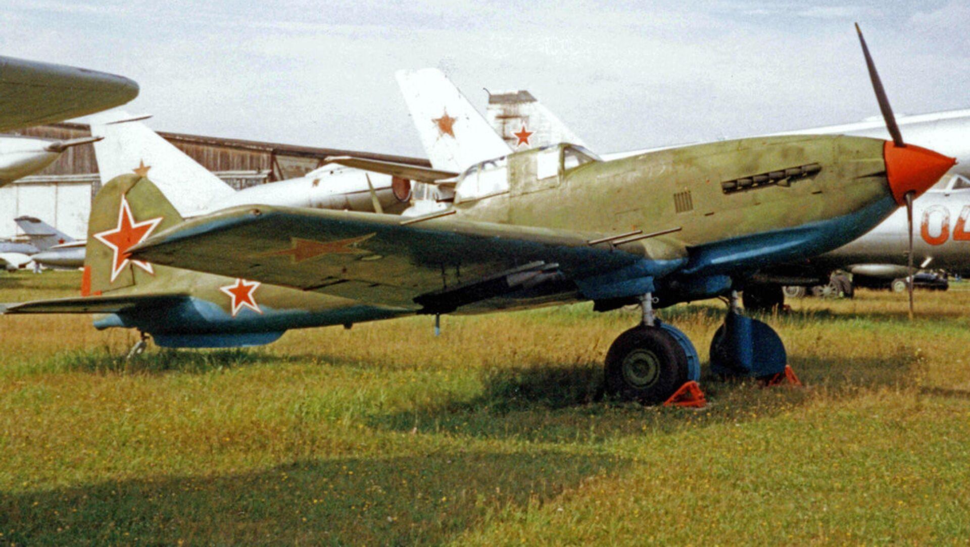 Chiếc máy bay Xô-viết Il-10M. - Sputnik Việt Nam, 1920, 02.06.2021