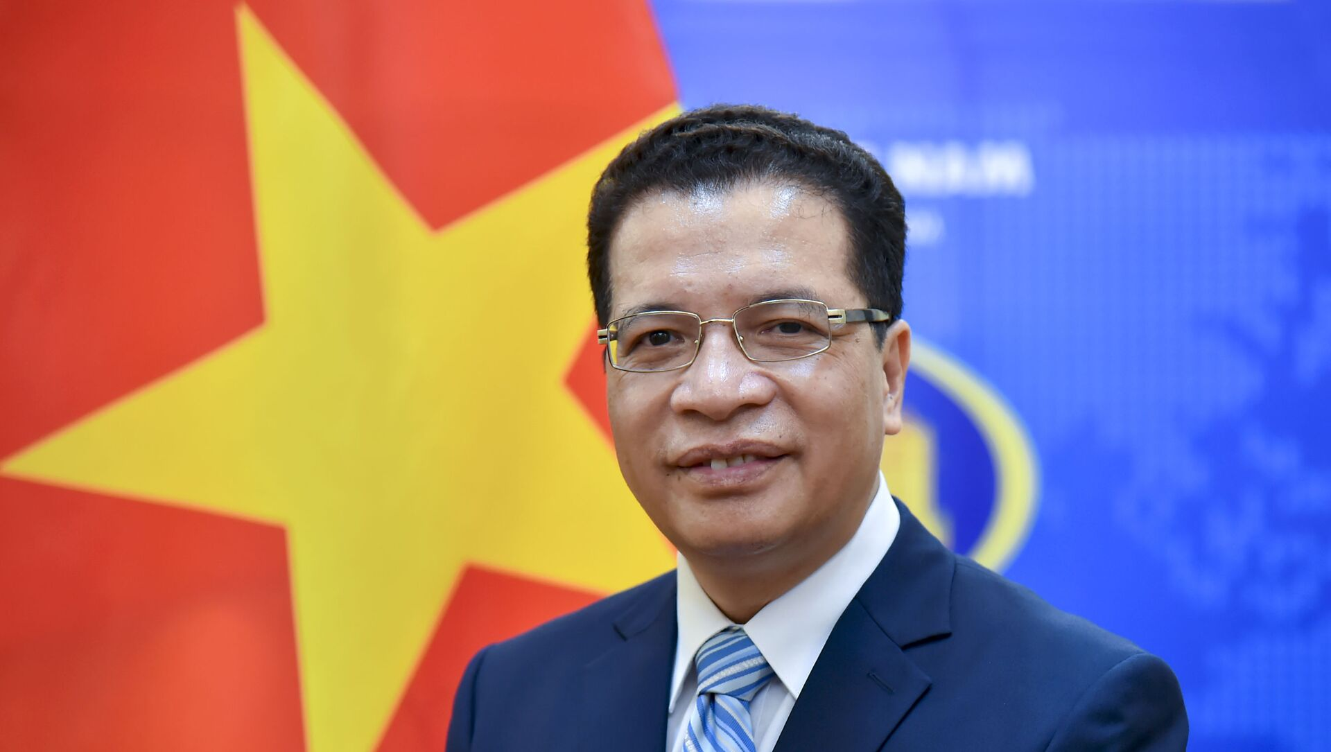 Thứ trưởng Bộ Ngoại giao Đặng Minh Khôi lên đường đảm nhận cương vị Đại sứ Nước CHXHCN Việt Nam tại Liên bang Nga nhiệm kỳ 2021 - 2024. - Sputnik Việt Nam, 1920, 03.06.2021