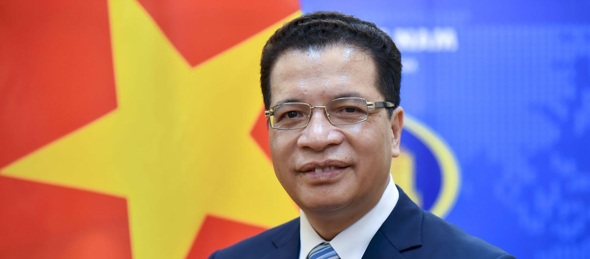 Thứ trưởng Bộ Ngoại giao Đặng Minh Khôi lên đường đảm nhận cương vị Đại sứ Nước CHXHCN Việt Nam tại Liên bang Nga nhiệm kỳ 2021 - 2024. - Sputnik Việt Nam, 1920, 23.08.2021