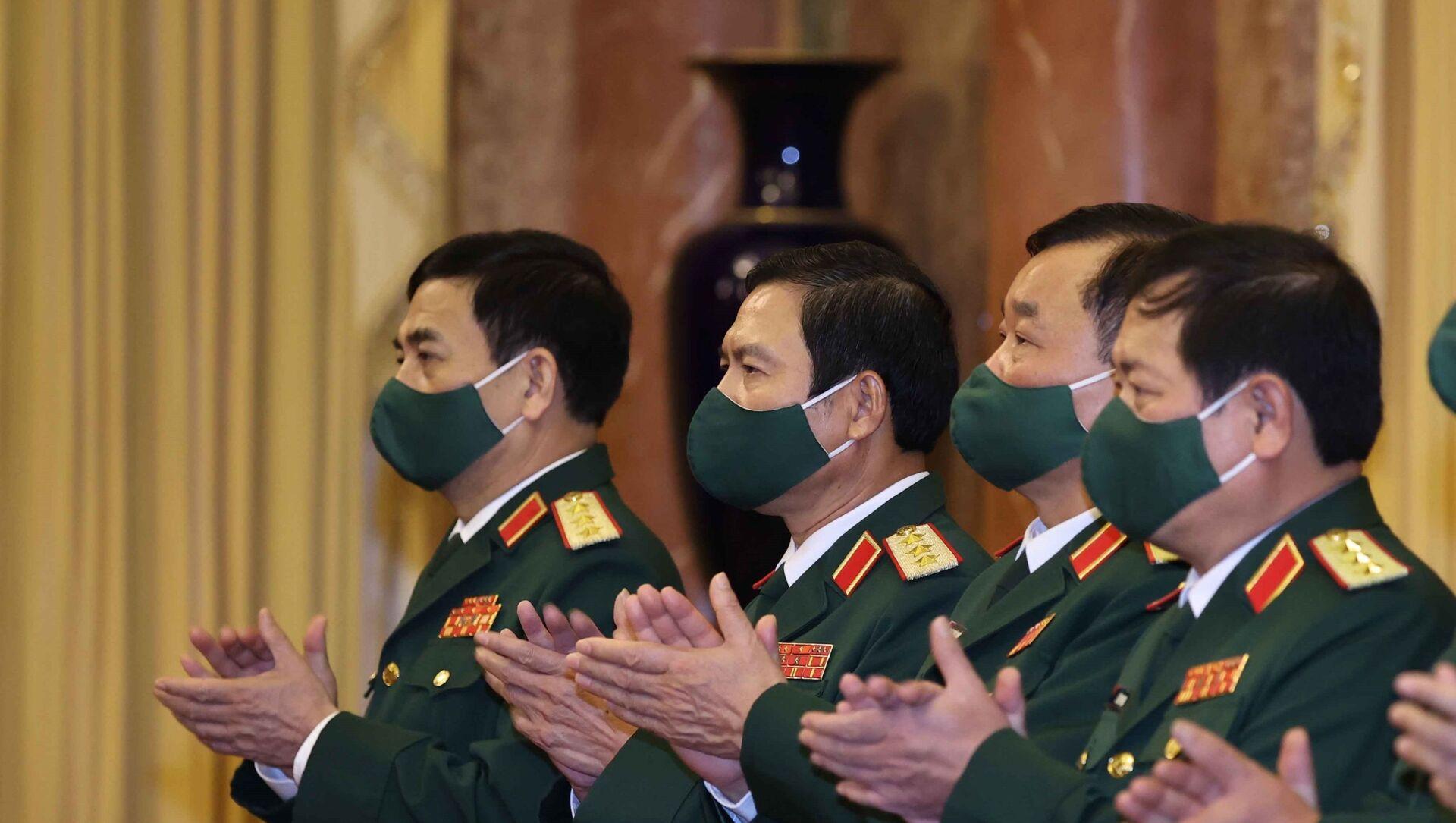 Lãnh đạo Bộ Quốc phòng tham dự buổi lễ.  - Sputnik Việt Nam, 1920, 07.06.2021
