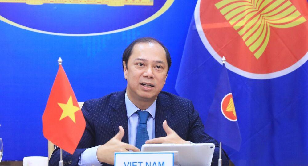Thứ trưởng Bộ Ngoại giao Nguyễn Quốc Dũng, Trưởng SOM ASEAN Việt Nam đồng chủ trì Diễn đàn.