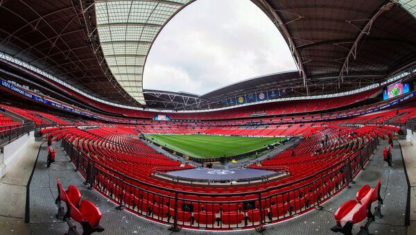 Sân vận động «Wembley» ở London (Anh), sẽ tổ chức 8 trận đấu: Anh - Croatia (13/6), Anh - Scotland (18/6), CH Séc - Anh (22/6), vòng 1/8 (26/6), 1/8 chung kết (29/6), Bán kết - Chung kết (6/7), Bán kết (7/7) và Chung kết (11/7). - Sputnik Việt Nam