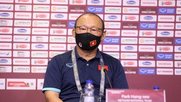 HLV Park Hang-seo tại cuộc họp báo - Sputnik Việt Nam