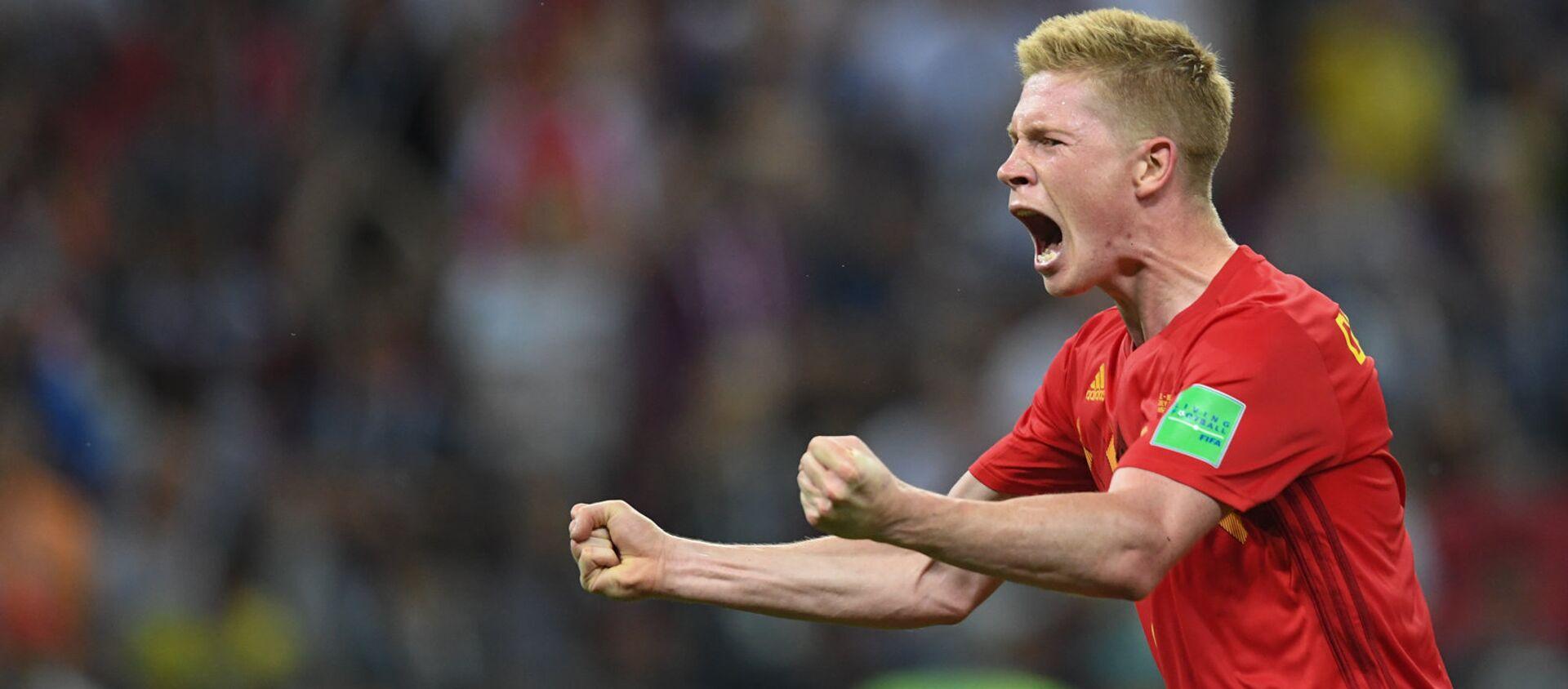 Tiền vệ Kevin De Bruyne của Bỉ ăn mừng bàn thắng trong trận tứ kết Brazil vs Bỉ (ngày 6 tháng 7 năm 2018). Kazan - Sputnik Việt Nam, 1920, 11.06.2021