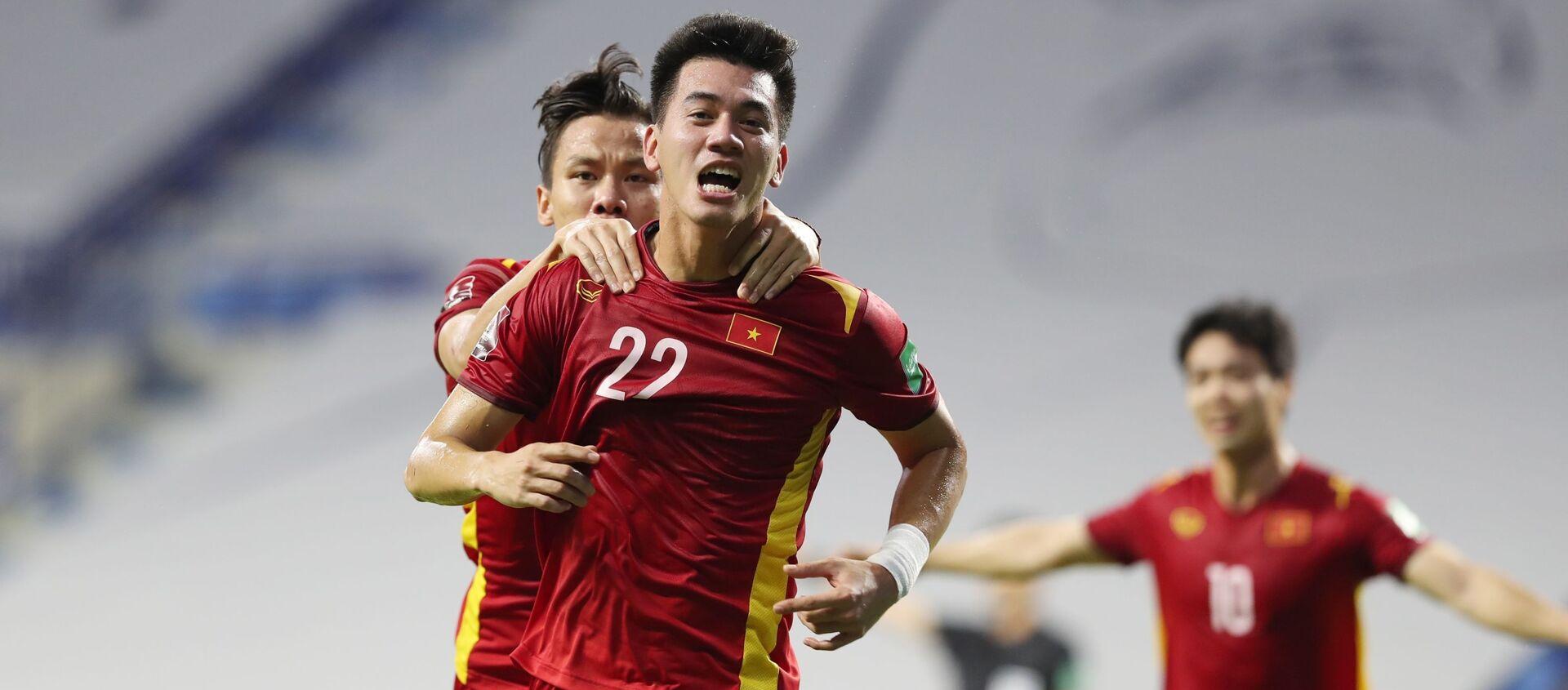 Tiền đạo Tiến Linh vui mừng khi ghi bàn thắng vào lưới đội tuyển Malaysia  - Sputnik Việt Nam, 1920, 12.06.2021