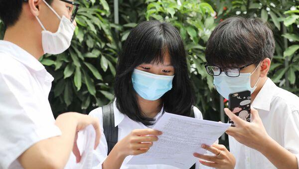 Hà Nội: Thí sinh hoàn thành ngày thi đầu tiên kỳ thi tuyển sinh lớp 10 THPT công lập năm học 2021-2022 - Sputnik Việt Nam
