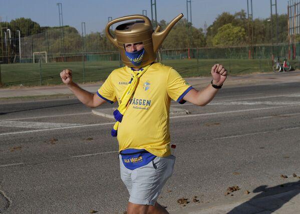 Cổ động viên đội tuyển Thụy Điển trước khi bắt đầu trận đấu Tây Ban Nha - Thụy Điển - Sputnik Việt Nam