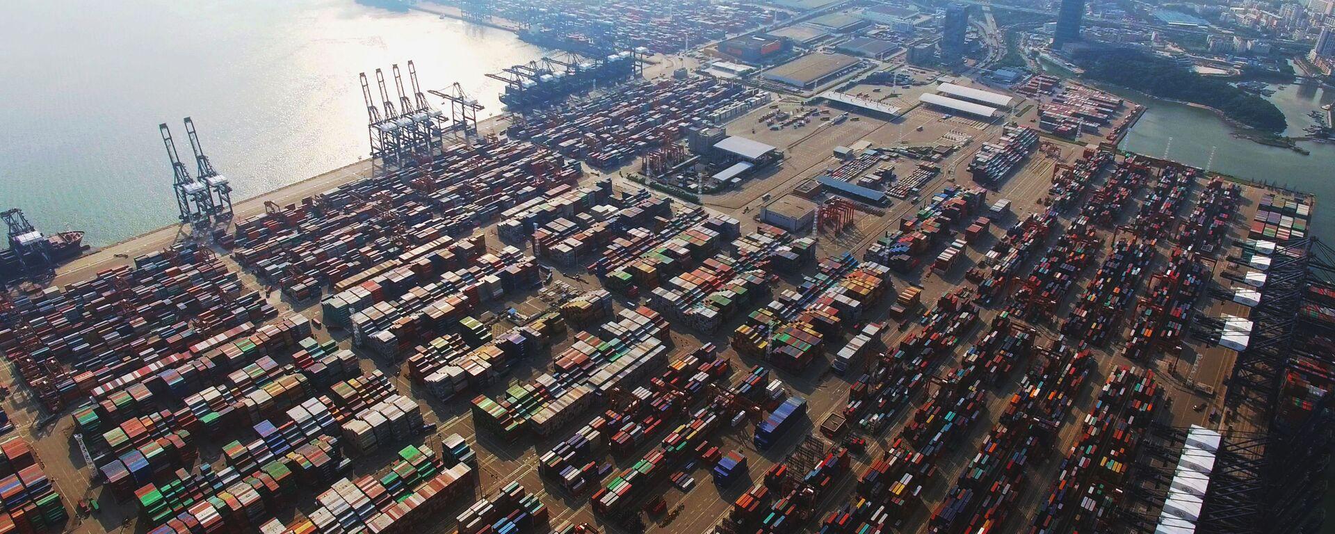 Quang cảnh cảng Yantian của Trung Quốc. - Sputnik Việt Nam, 1920, 09.10.2021