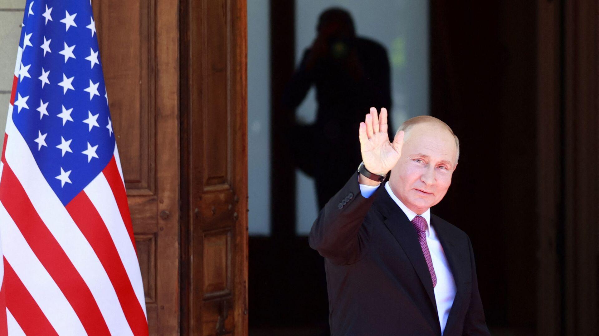 Tổng thống Nga Vladimir Putin  - Sputnik Việt Nam, 1920, 14.10.2021