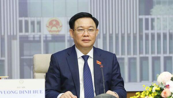 Chủ tịch Quốc hội Vương Đình Huệ hội đàm trực tuyến với Chủ tịch Nhân đại Trung Quốc Lật Chiến Thư - Sputnik Việt Nam
