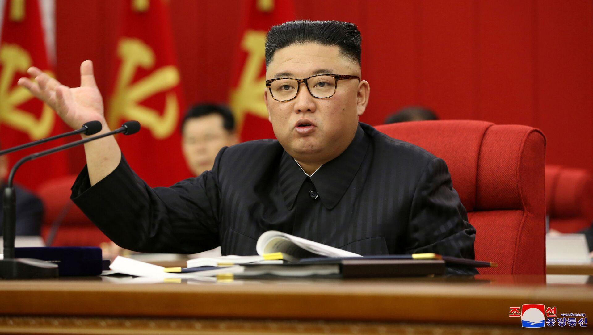 Người đứng đầu CHDCND Triều Tiên Kim Jong-un khai mạc Hội nghị toàn thể lần thứ 3 Ban Chấp hành Trung ương Đảng Công nhân Triều Tiên lần thứ 8 - Sputnik Việt Nam, 1920, 01.10.2021