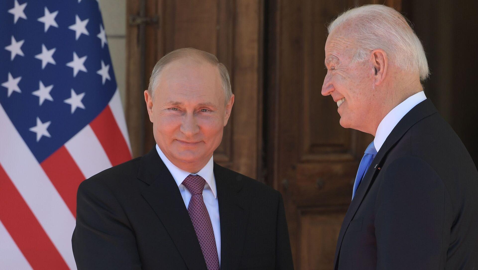 Cuộc gặp của Tổng thống Nga và Hoa Kỳ V.Putin và J.B Biden tại Geneva - Sputnik Việt Nam, 1920, 18.06.2021