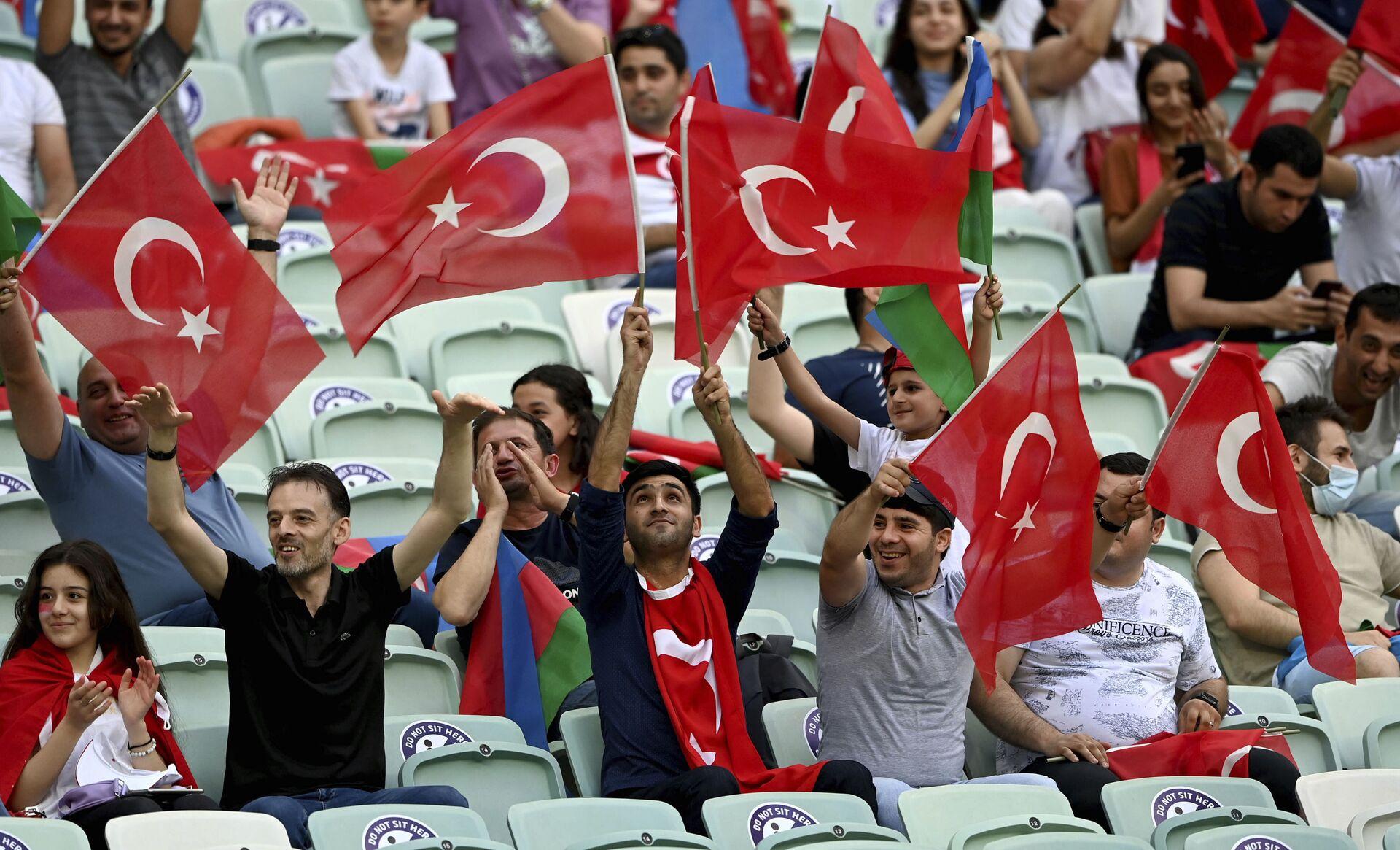Đội tuyển Thụy Sĩ thắng đội tuyển Thổ Nhĩ Kỳ trong vòng bảng EURO 2020 với tỷ số 3:1 - Sputnik Việt Nam, 1920, 21.06.2021