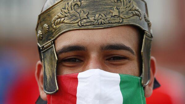 Cổ động viên Ý bên ngoài sân vận động trước trận đấu ở Rome - Sputnik Việt Nam