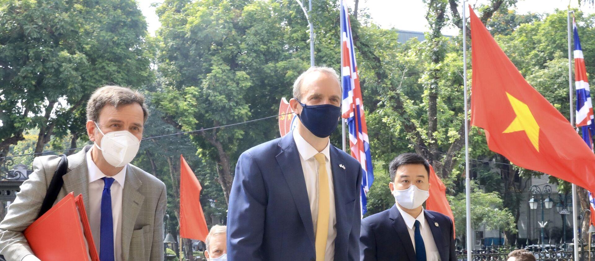 Bộ trưởng Ngoại giao và Phát triển Vương quốc Anh Dominic Raab đến dự hội đàm. - Sputnik Việt Nam, 1920, 22.06.2021