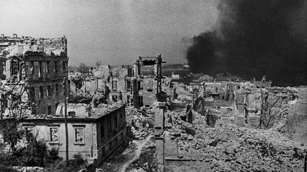 Thành phố Sevastopol sau vụ đánh bom, năm 1942. - Sputnik Việt Nam