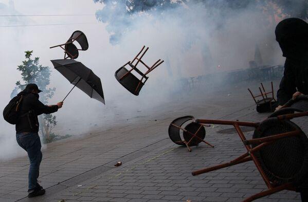 Biểu tình phản đối ở Nantes nhân tưởng niệm hai năm ngày giỗ Steve Maya Canico  - Sputnik Việt Nam