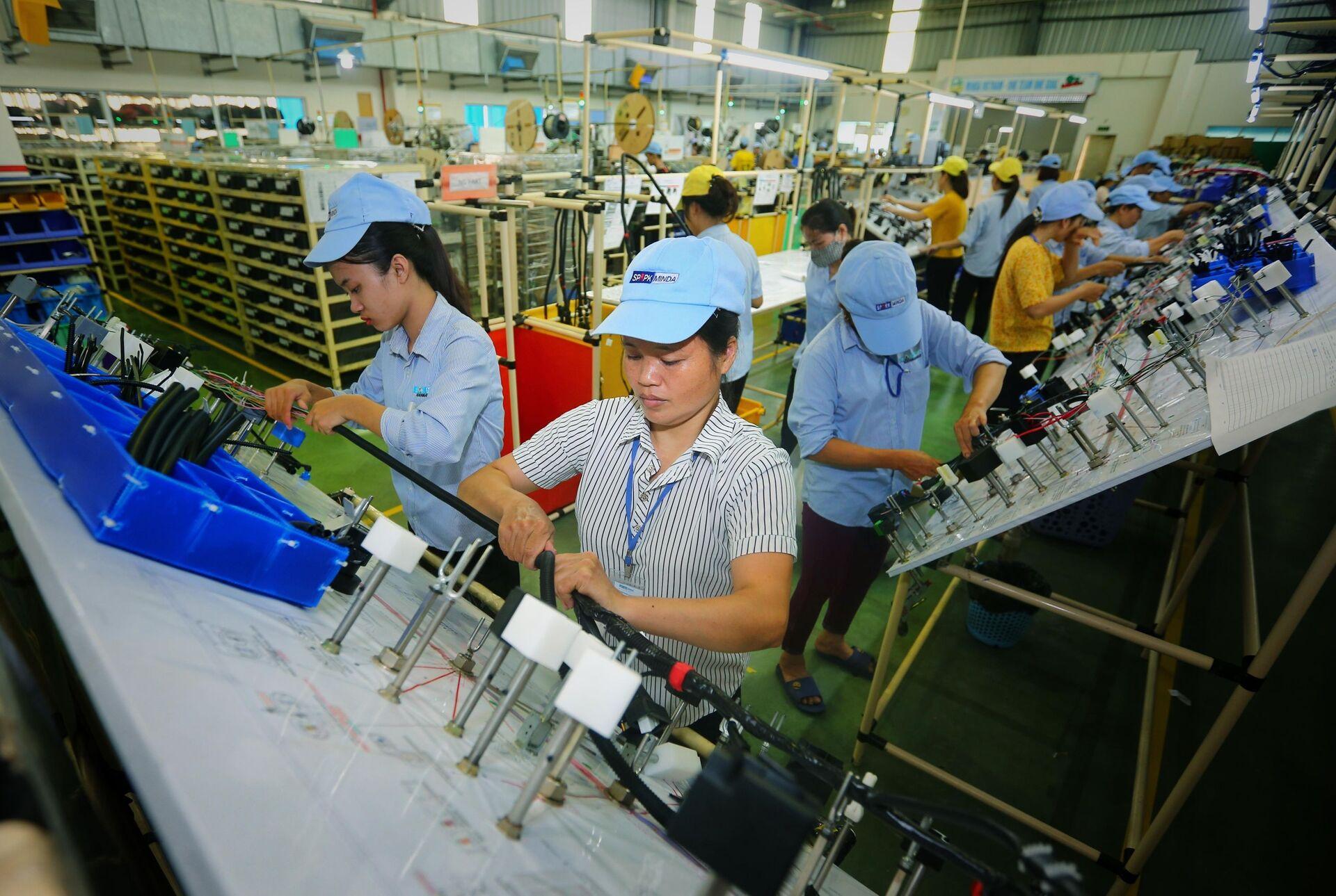 Vì sao Việt Nam là 'đối thủ đáng gờm' đe dọa nguồn FDI của Trung Quốc? - Sputnik Việt Nam, 1920, 25.06.2021