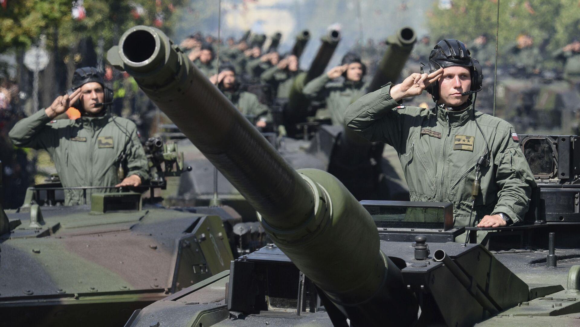 Lễ duyệt binh để vinh danh Ngày Quân đội Ba Lan ở Warsaw - Sputnik Việt Nam, 1920, 28.06.2021