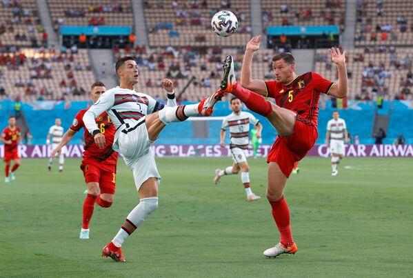 Các cầu thủ Bồ Đào Nha và Bỉ trong trận đấu UEFA EURO 2020 - Sputnik Việt Nam