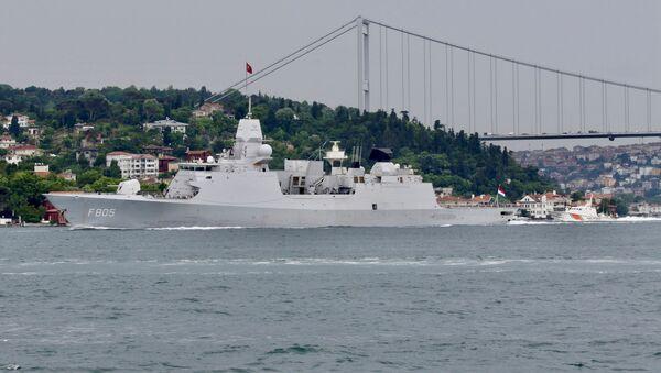 Tàu khu trục Evertsen của Hà Lan ở Istanbul - Sputnik Việt Nam