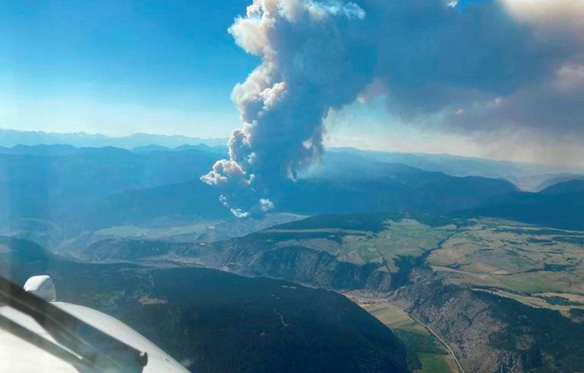 Cháy rừng ở miền tây Canada trong bối cảnh nền nhiệt bất thường - Sputnik Việt Nam, 1920, 02.07.2021