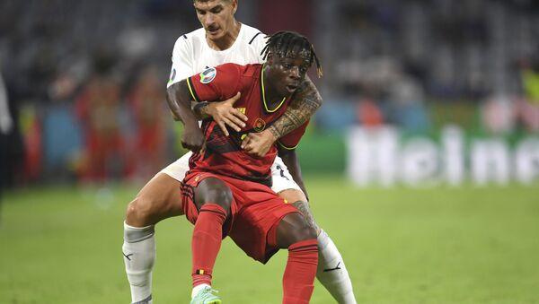 Trận đấu giữa đội tuyển quốc gia Bỉ và Ý tại Euro 2020 - Sputnik Việt Nam