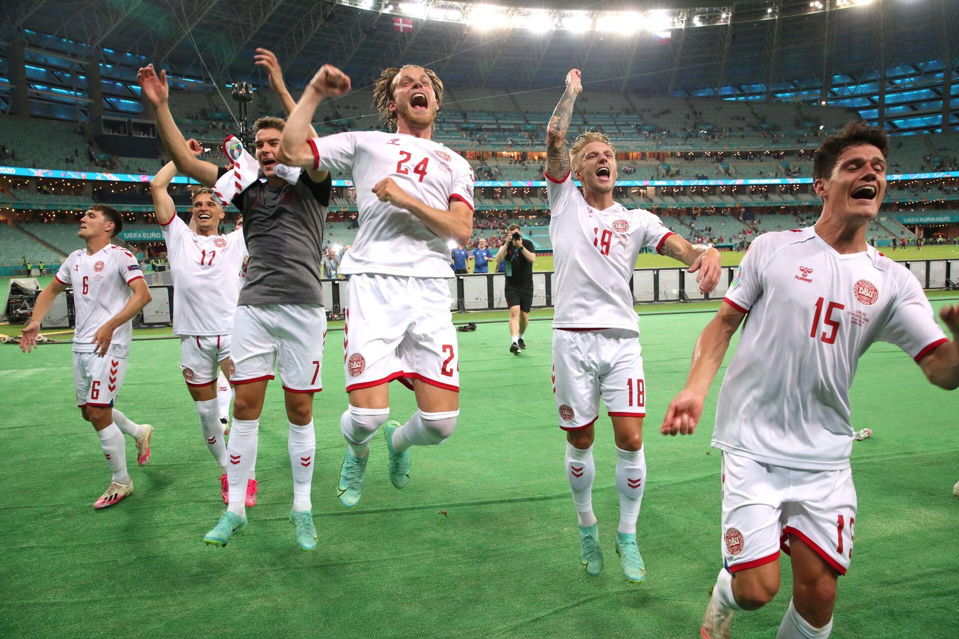 Bán kết EURO 2020: Sục sôi cặp đấu Bò tót - Áo thiên thanh - Sputnik Việt Nam, 1920, 06.07.2021