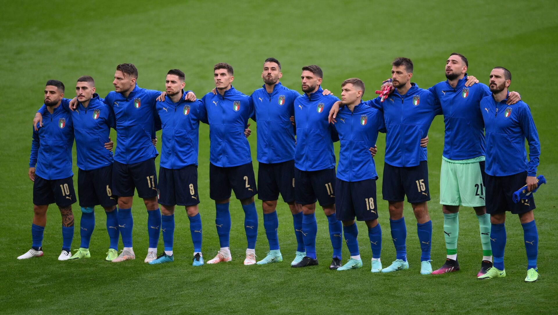 Các cầu thủ Ý trước trận đấu bóng đá UEFA EURO 2020 tại Sân vận động Wembley ở London - Sputnik Việt Nam, 1920, 06.07.2021